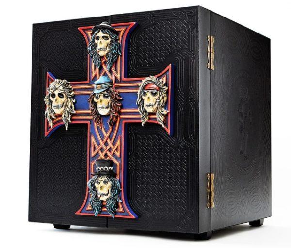"""""""Locked N' Loaded""""-Box zum Re-Release von """"Appetite For Destruction von Guns N' Roses aus dem Jahr 2018"""