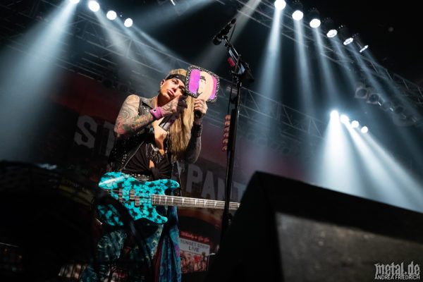 Konzertfoto von Steel Panther - Lower The Bar Tour 2018