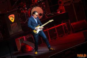 Konzertfoto von Joe Bonamassa auf dem The Guitar Event of the Year 2018