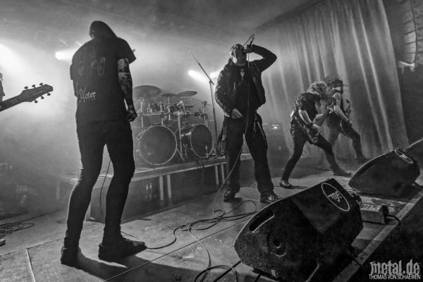 Fotos von Harakiri For The Sky auf der The Sovereign Arsonists Tour MMXIX
