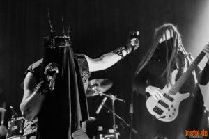 Konzertfoto von Thron - Metal Café am 09.02.2019