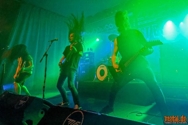 Konzertfoto von Dust Bolt - Trapped In Chaos Tour