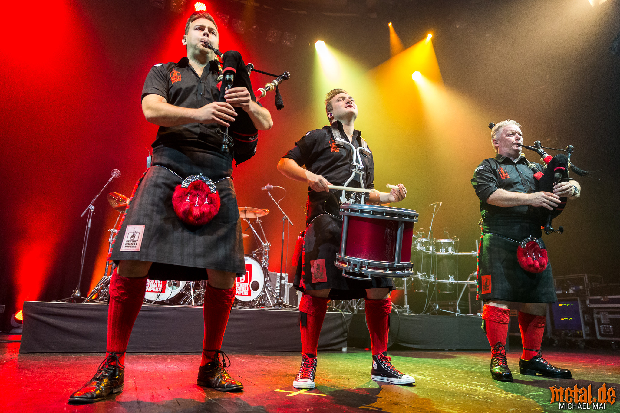 Red Hot Chilli Pipers - Live on Tour 2019 in Mannheim • metal.de