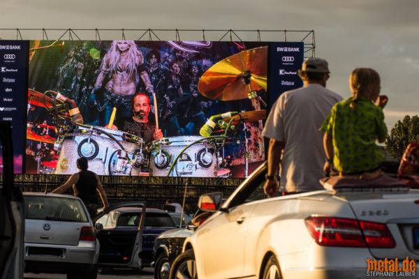 Konzertfoto von Doro in Stuttgart auf dem Kulturwasen als Autokonzert 2020