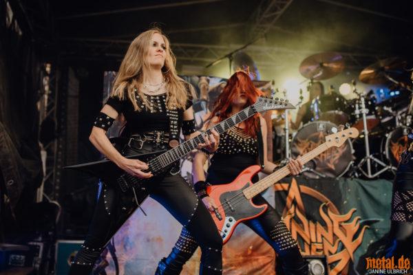 Konzertfoto von Burning Witches - Back To Thrash Tour 2020